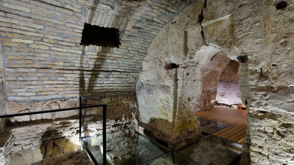 acumincum winery historic wine cellar