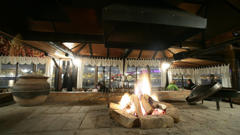 aqua doria restaurant